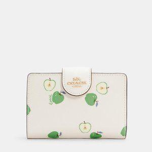 🎁Coach Medium Corner Zip Wallet With Apple Print